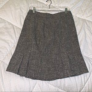 Gray woven professional skirt, like new